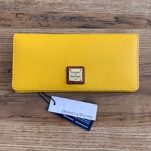 NWT Dooney & Bourke wallet